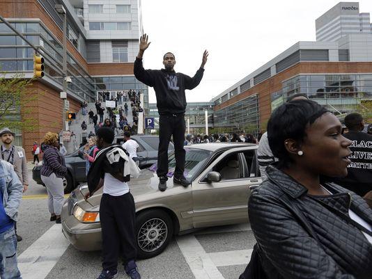 635669244006876886-AP-Suspect-Dies-Baltimore