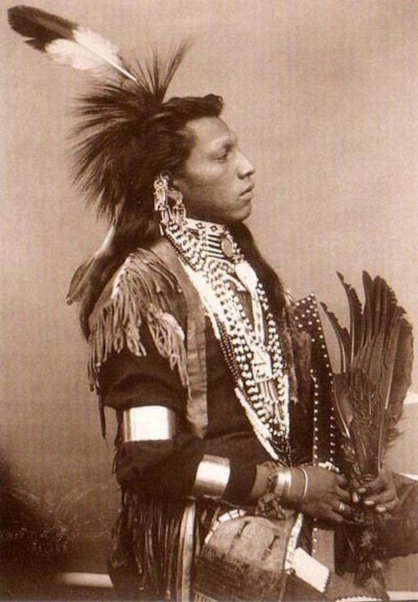 18. Blackbird, who was chief of the Omaha Indians, was buried sitting astride his favorite horse.