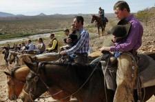 Militia-Members-at-Bundy-Ranch-stop-for-Prayer-225x148