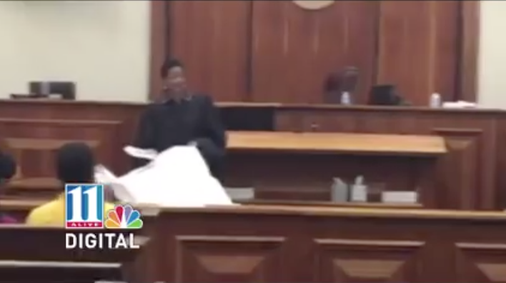 [VIDEO] Judge Did Not Know The Camera Was Rolling, Now Has More Than 33 MILLION Views!