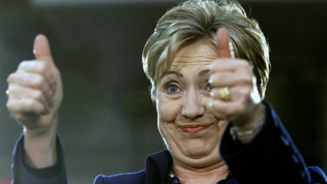 hillary-clinton-with-two-thumbs-up-640x360