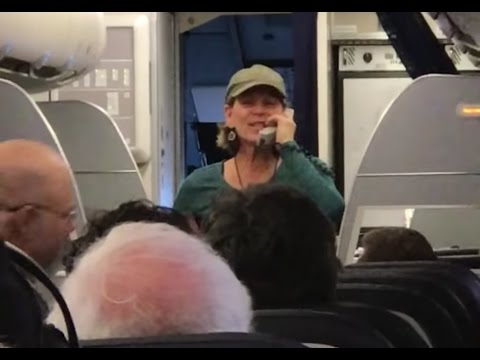 United Airlines Female Pilot Went Muy Loco Removed From