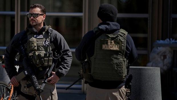 U-S--Marshals-stand-outside-U-S--Federal-Court-in-Brooklyn-jpg
