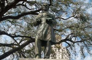 Davis-Statue