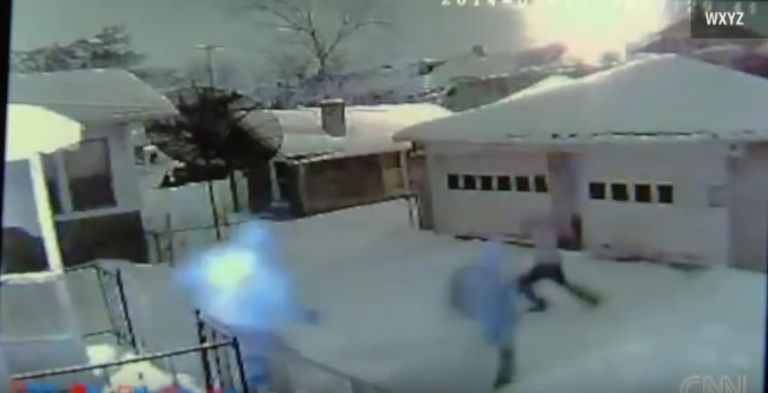 [VIDEO] Three Thugs Break Into Home, But Mom Unloads On Them