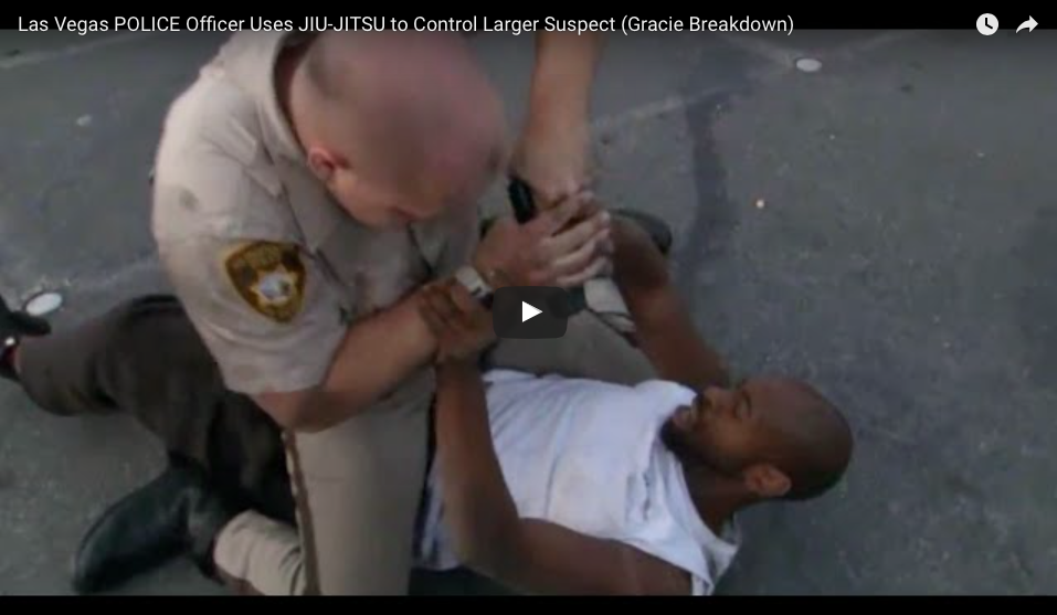 [WATCH] POLICE Officer Uses JIU-JITSU to Control Larger Suspect. Two Experts Weigh-In