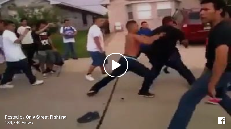 [VIDEO] Wow! 5 Dudes Fighting Almost 20 Opponents[VIDEO] Wow! 5 Dudes Fighting Almost 20 Opponents