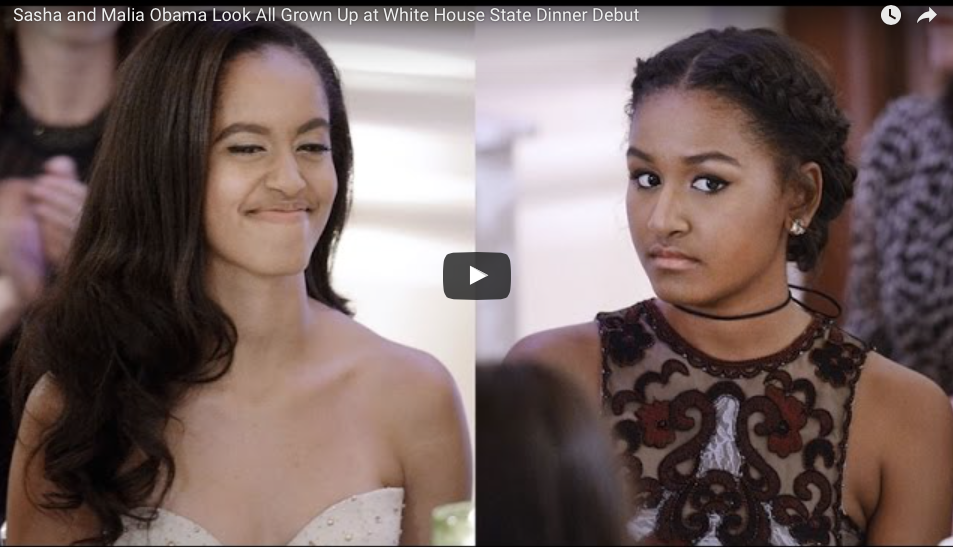 [PHOTO] The World Is Obsessed With This Pic Of Sasha And Malia Obama Meeting Ryan Reynolds