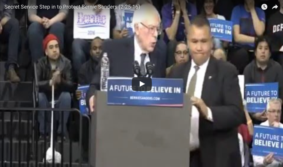 [VIDEO] Crazed Woman -Vs- Secret Service At Sanders Rally