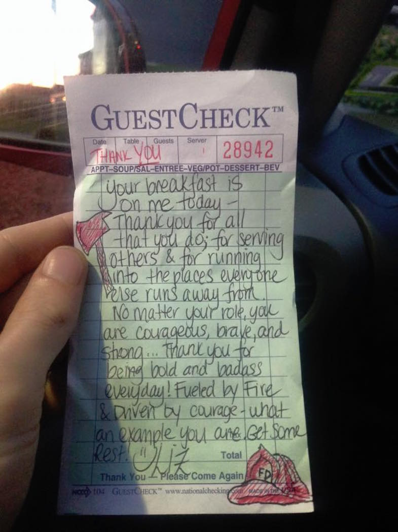 7-Waitress-paid-firefighters-check-note-and-doodle