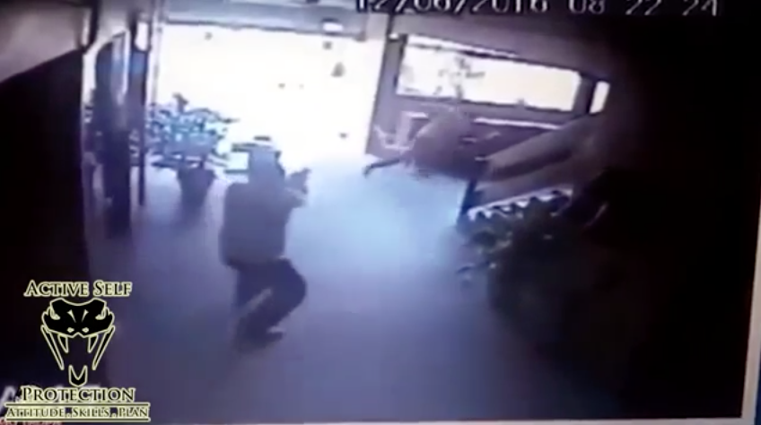 [VIDEO] Armed Robbers Ambush A Guard Without Knowing He Had An ANKLE HOLSTER!