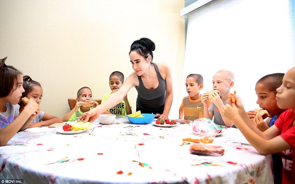 38166C4D00000578-3781725-The_children_all_follow_an_organic_vegetarian_diet_don_t_eat_fas-a-9_1473705269290