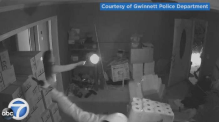 [WATCH] Woman In Pajamas Sends 3 Armed Robbers Running