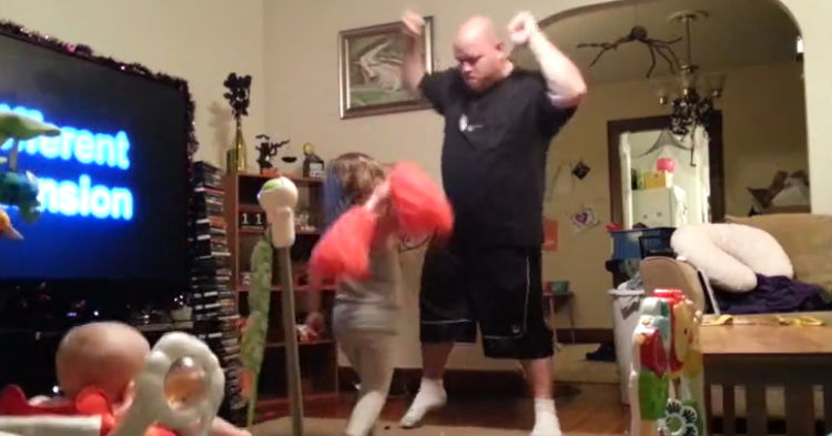 [WATCH] Mom Sets Up Hidden Camera To Catch Dad In The Act